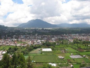 Berastagi dilihat dari Bukit Gundaling. (sumatra-indonesia)