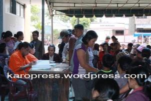 Penyaluran BLSM di Kantor Pos Kabanjahe. (KaroPress/adhif)