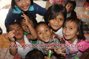 Anak-Anak Pengungsi Gunung SInabung. (KaroNews/Adhif)